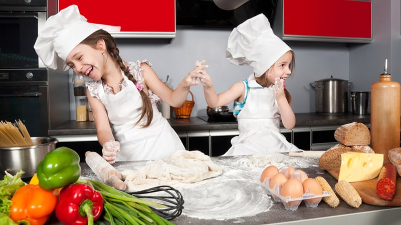 met kinderen koken