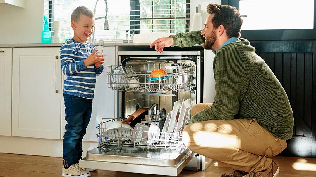 Lave-vaisselle : comment éviter les traces sur les verres ?