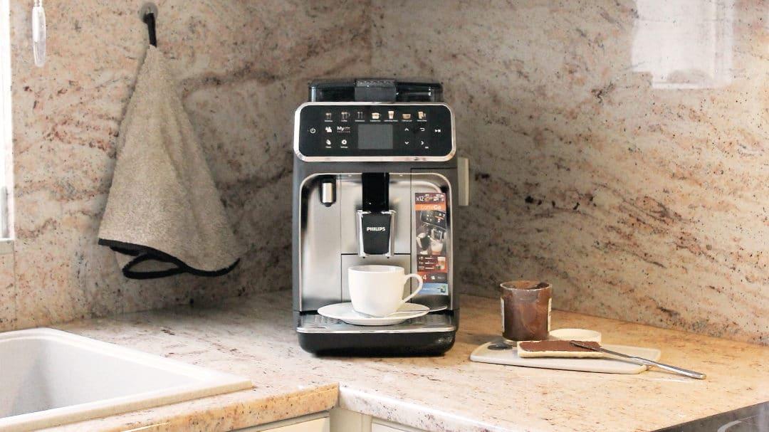 La machine à expresso Philips EP5444/90 : ma nouvelle routine matinale
